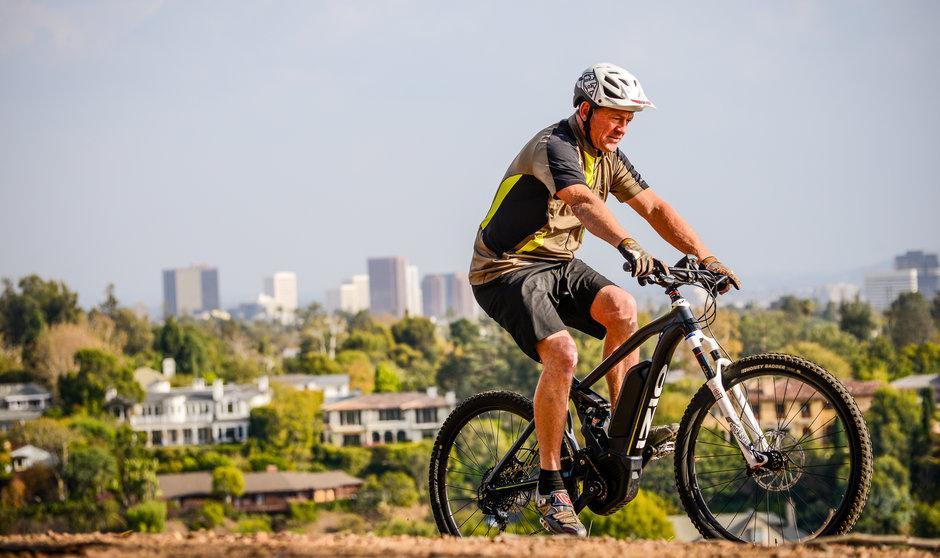Electric Bike 17 IZIP E3 PeakDS Horizontal 1