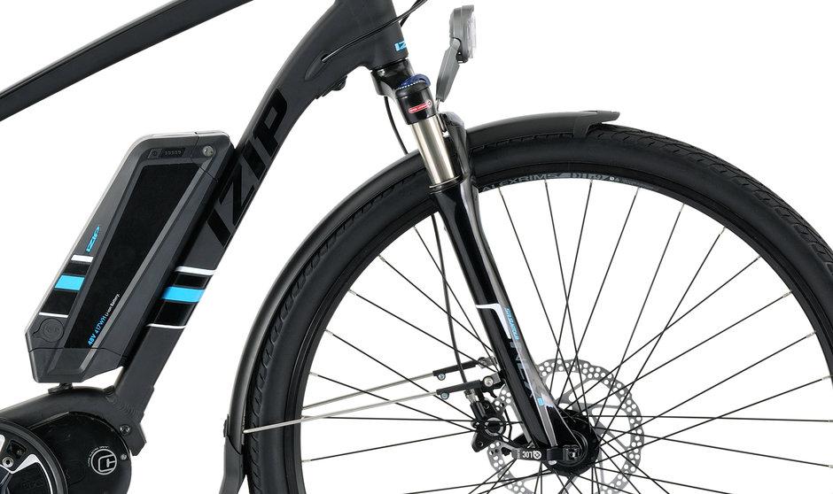 Electric Bike IZIP E3 Dash CloseUp 2