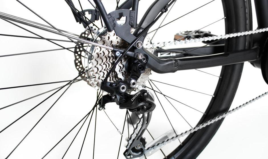 Electric Bike IZIP E3 Dash CloseUp 5