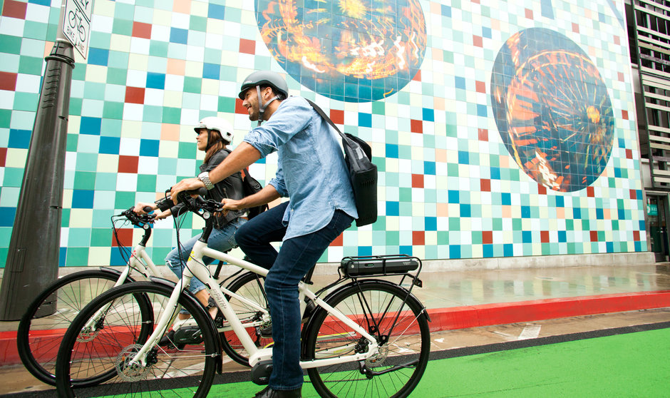 Electric Bike IZIP E3 Path horizontal riding
