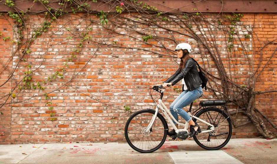 Electric Bike IZIP E3 Path  Horizontal vines