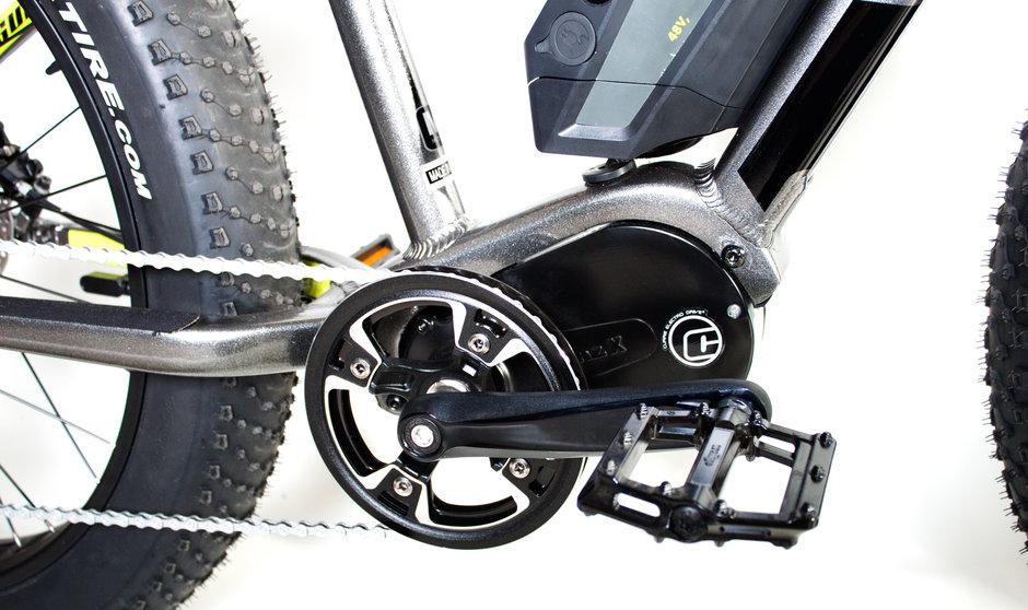 Electric Bike IZIP E3 Sumo CloseUp 9
