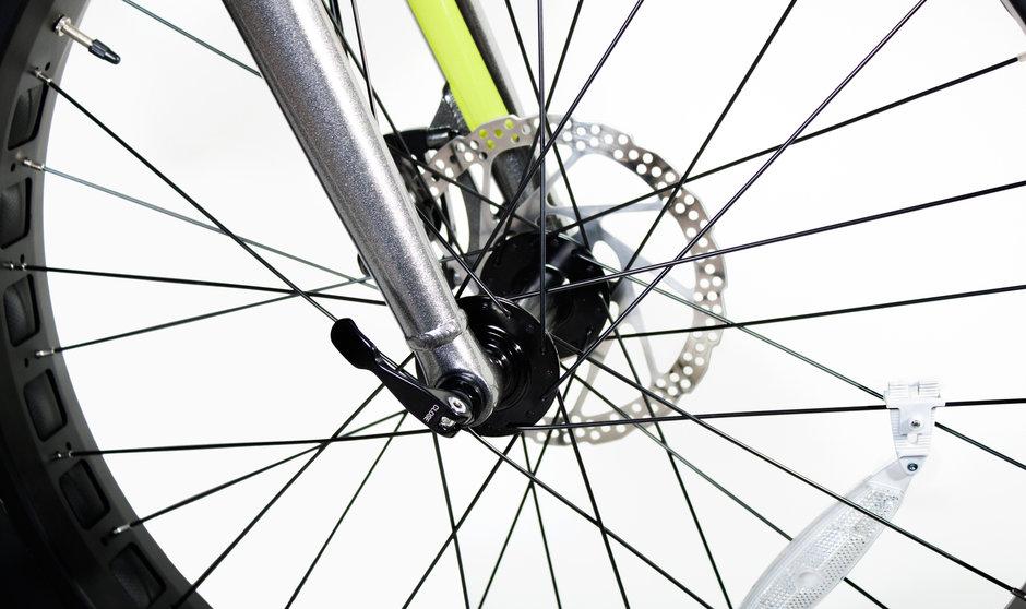 Electric Bike IZIP E3 Sumo CloseUp 12
