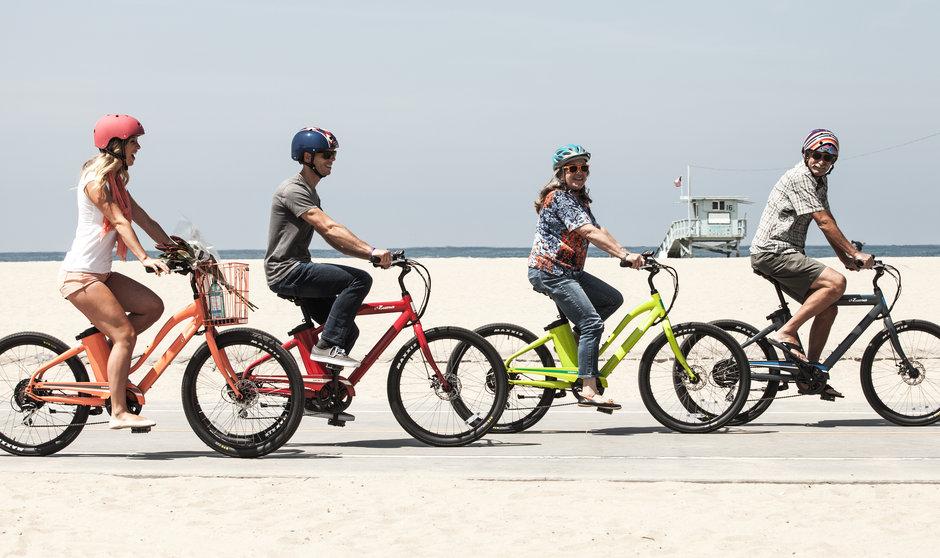 Electric Bike 15 IZIP E3Zumas Horizontal Riding beach