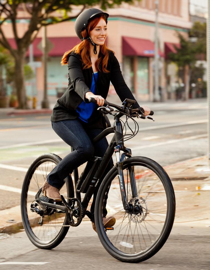 Electric Bike IZIP E3 DashBK vertical riding