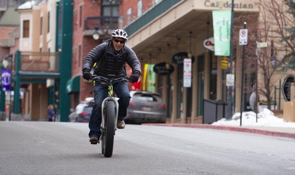 Electric Bike IZIP E3 Sumo Horizontal Street