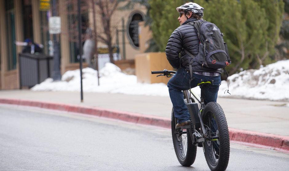 Electric Bike IZIP E3 Sumo Horizontal Street2