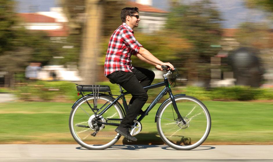 Electric Bike 2014 IZIP E3 Path Street Horizontal