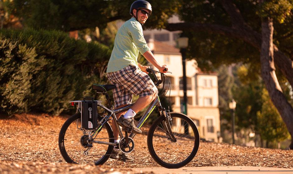 Electric Bike IZIP 2014 IZIP E3 Vibe Standing Horizontal