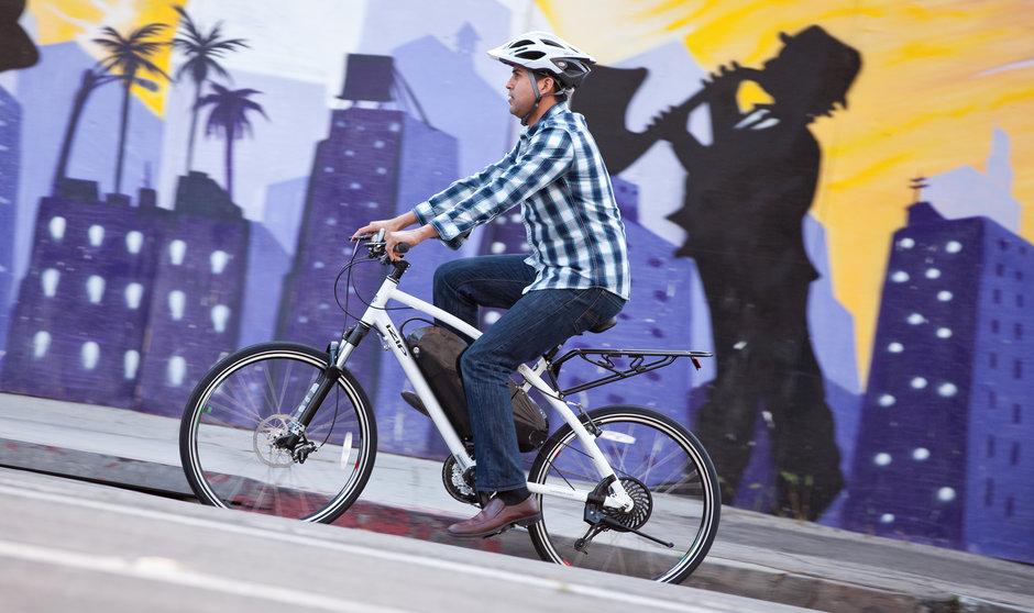 Electric Bike 2014 IZIP Express Street Horizontal