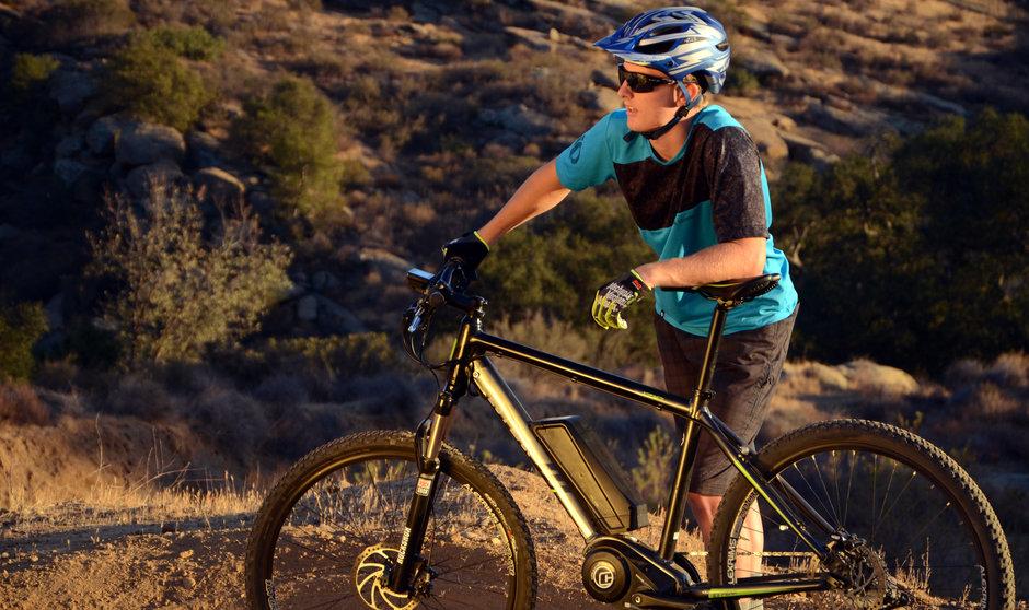 Electric Bike 2014 IZIP E3 Peak Standing Horizontal